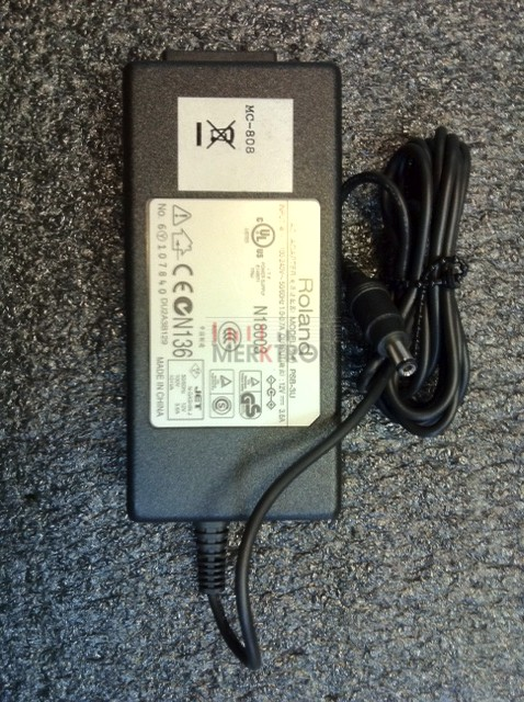 02900423  AC ADAPTADOR PSB3U AT-5 ROLAND